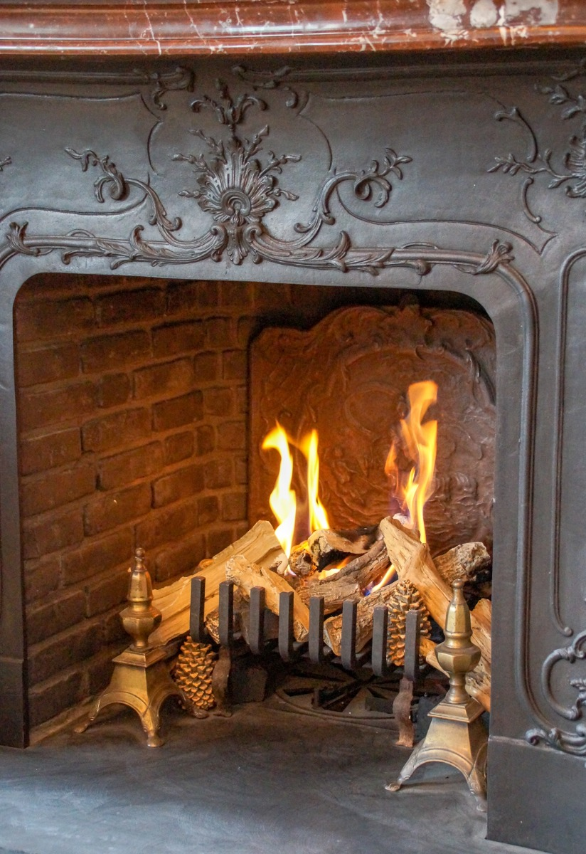 Fireplace with same style fireplace accessories