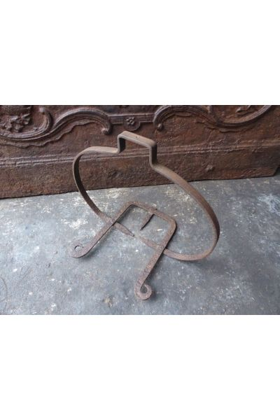 18th c Hanging Trivet made of 15
