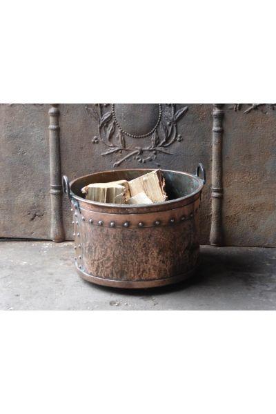 Antique Log Bucket made of 31