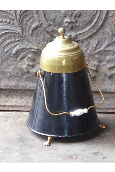 Antique copper 'doofpot' made of 16,31,153