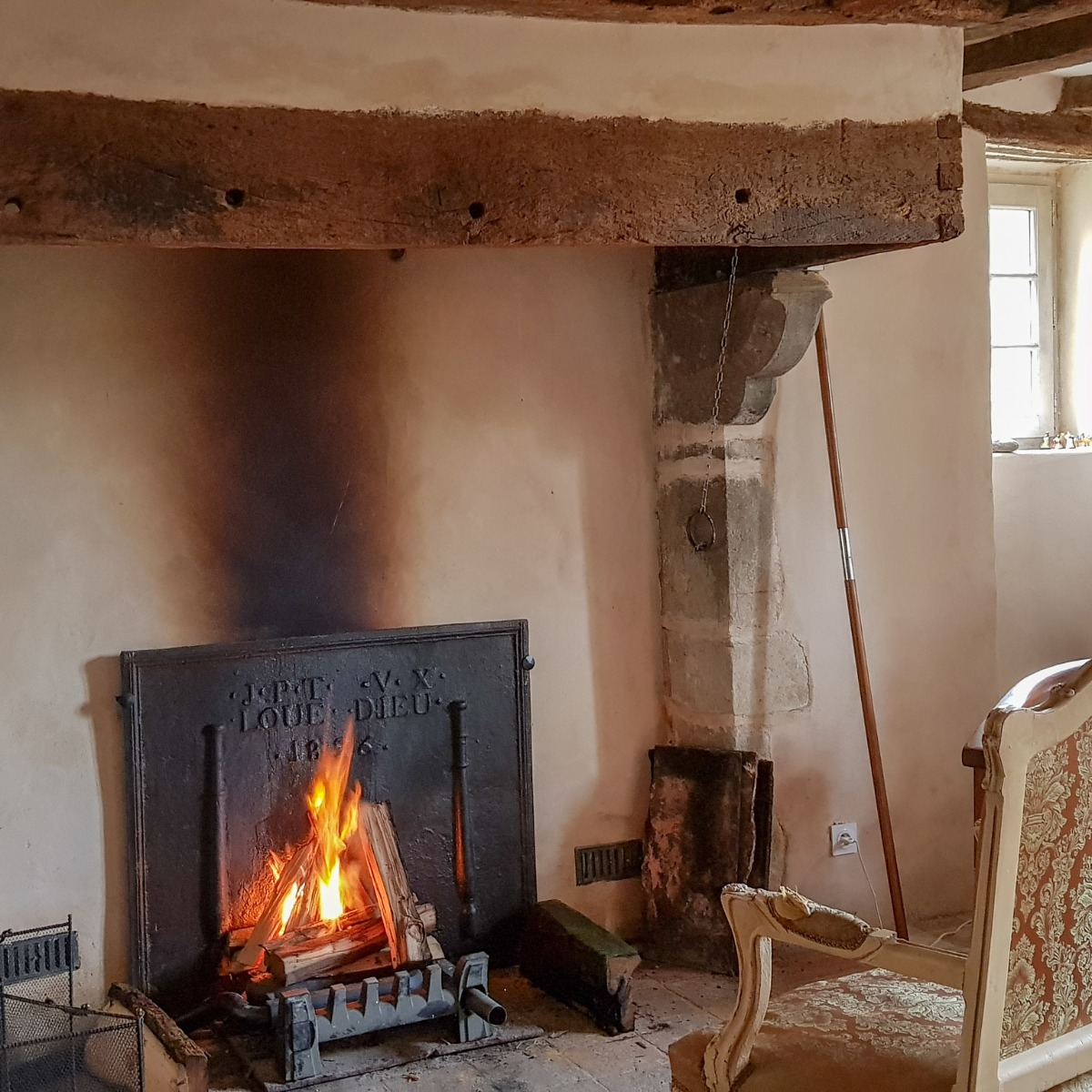 Sturdy fireplace made lighter with fireplace accessories