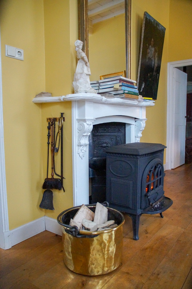 Fireplace accessories for the wood-burning stove