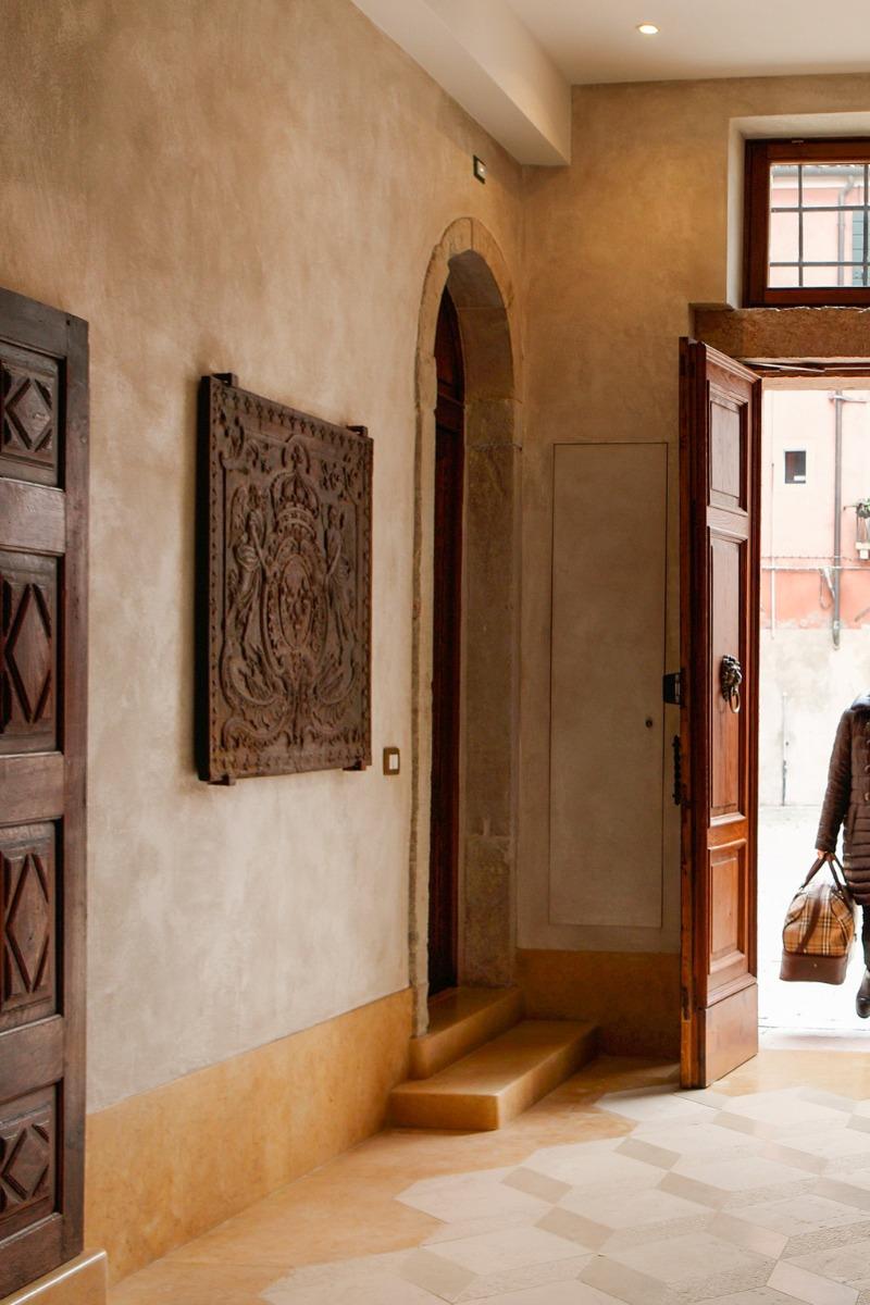 Fireback as decoration in Venice