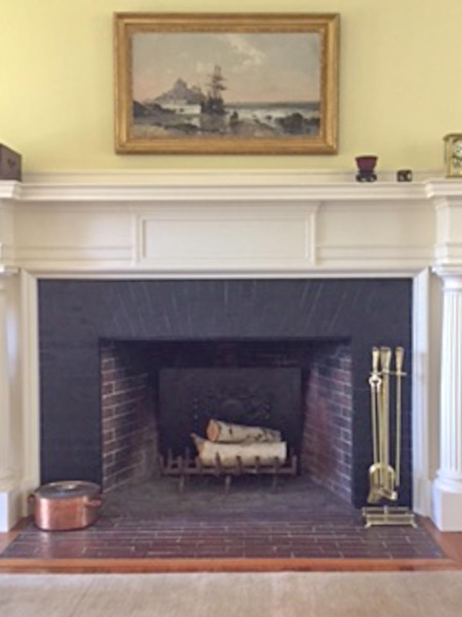 Fireplace fireback in Marblehead, Massachusetts from https://www.firebacks.net
