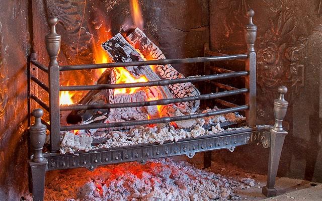 Grilles porte bûches de cheminée à vendre