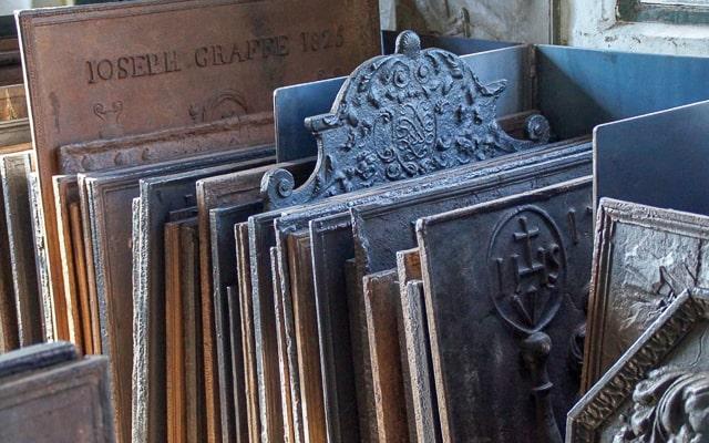 Gusseiserne Kaminplatten - Ofenplatten zum Verkauf
