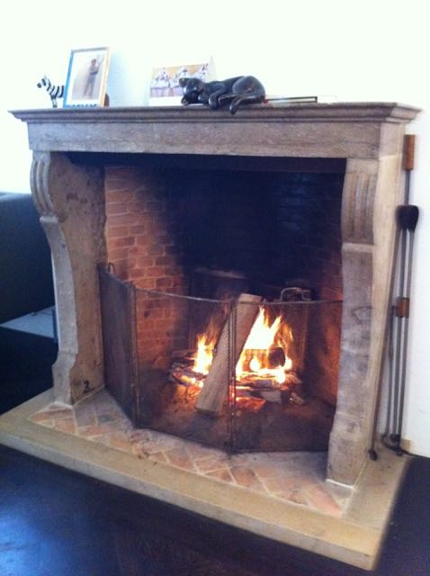 How big should a fireplace screen be?