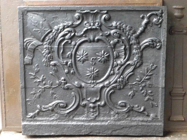 Plaque de cheminée de style Louis XV