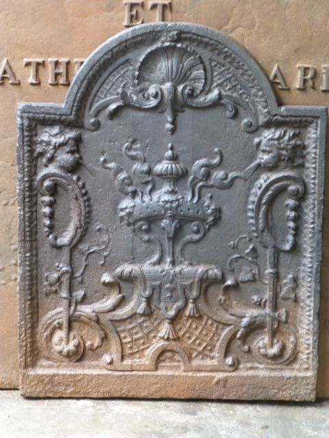 Plaque de cheminée style Louis XV