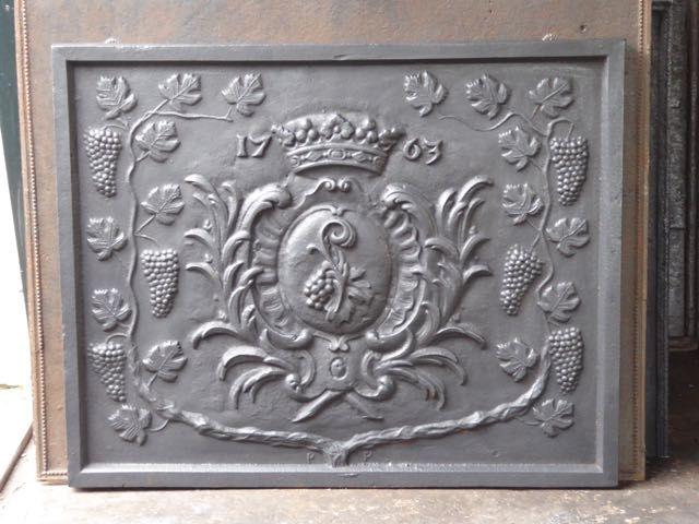 Plaque de cheminée style éclectique