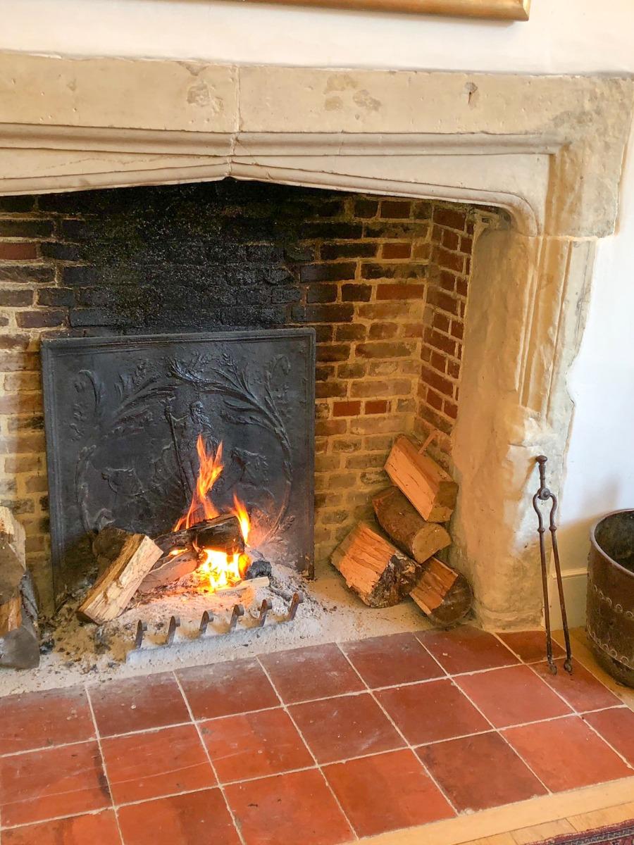Historic House Hertfordshire, UK, sourced by https://www.firebacks.net