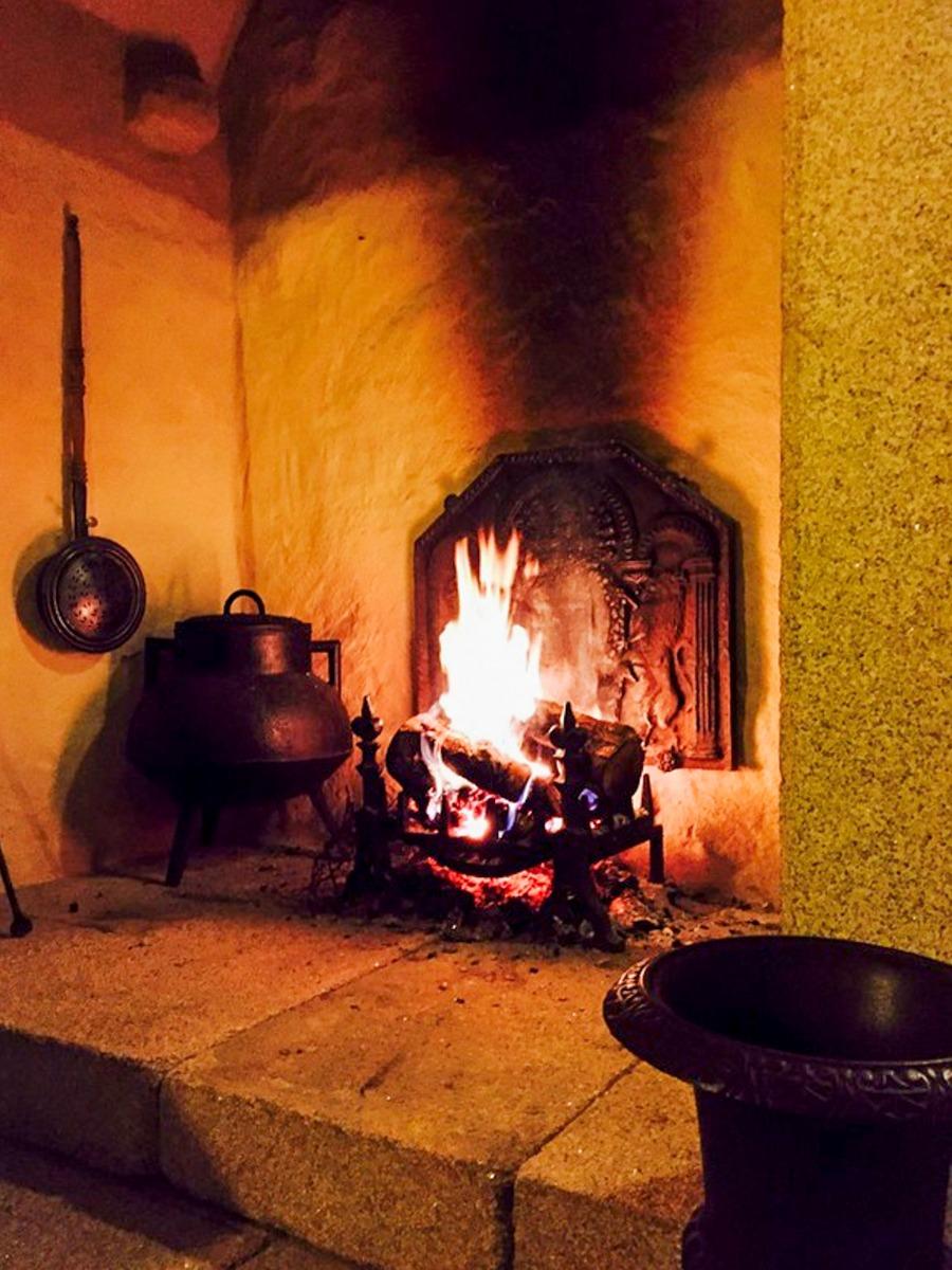 Fireplace accessories in Miño, Spain sourced from https://www.firebacks.net